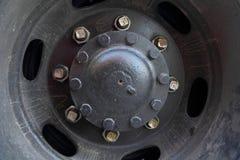 Eje de rueda del camión Imagenes de archivo