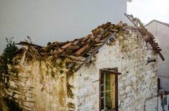 Ejecútese abajo de casa Imagen de archivo