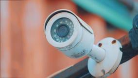 Ejecución al aire libre de la cámara de vigilancia afuera cámara de seguridad y protección video urbana de la vigilancia contra h metrajes