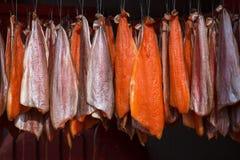 Ejecución de color salmón en un modelo pedido para fumar Fotos de archivo