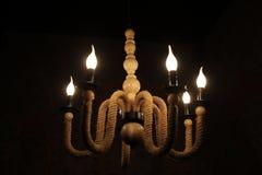 Ejecución de la lámpara en techo foto de archivo
