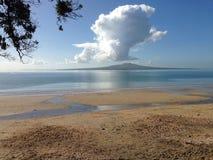 Ejecución de la nube de arriba Imagenes de archivo