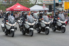 Ejecución de los oficiales de la motocicleta del Departamento de Policía Foto de archivo libre de regalías