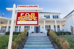 Ejecución de una hipoteca correcta del revestimiento vendida para la muestra de Real Estate de la venta aislada foto de archivo libre de regalías