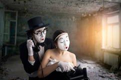 Ejecución del actor y de la actriz del teatro de la pantomima imágenes de archivo libres de regalías