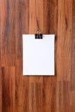 Ejecución del papel en blanco en la pared Foto de archivo libre de regalías