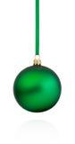 Ejecución verde de la chuchería de la Navidad en la cinta aislada en el backg blanco Fotos de archivo libres de regalías
