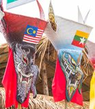 Ejecutante colorido de la máscara del fantasma en Phi Ta Kon Festival, Loei, Tailandia imagenes de archivo