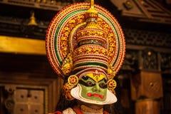 Ejecutante de Kathakali en el papel virtuoso del verde del pachcha Imagen de archivo libre de regalías