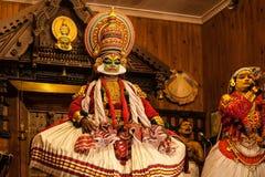 Ejecutante de Kathakali en el papel virtuoso del verde del pachcha Imagen de archivo