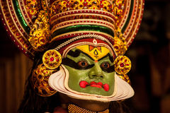 Ejecutante de Kathakali en el papel virtuoso del verde del pachcha en Cochin Imagen de archivo libre de regalías