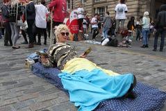 Ejecutante en el festival de la franja de Edimburgo Foto de archivo