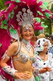 Ejecutante femenino Londres Inglaterra del carnaval de Notting Hill Fotos de archivo