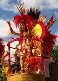 Ejecutante femenino Londres Inglaterra del carnaval de Notting Hill Imágenes de archivo libres de regalías