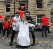 Ejecutantes de Drácula en la franja de Edimburgo Imagen de archivo libre de regalías