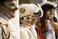 Ejecutantes del carnaval de Venecia imagen de archivo libre de regalías