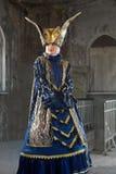 Ejecutantes en el traje veneciano foto de archivo