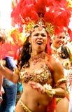 Ejecutantes femeninos Londres Inglaterra del carnaval de Notting Hill Fotografía de archivo