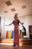 Ejecutantes que participan en Milan Clown Festival 2014 Foto de archivo libre de regalías