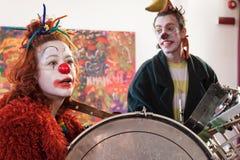 Ejecutantes que participan en Milan Clown Festival 2014 Imagen de archivo libre de regalías