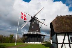 Ejegod väderkvarn i Nykoebing i Danmark Royaltyfria Foton