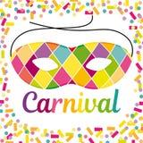Ejemplo alegre del carnaval con la máscara del arlequín del beautfiul en un fondo colorido del confeti y de las flámulas libre illustration