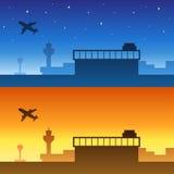 Ejemplo amarillo-naranja azul de la salida del sol de la puesta del sol de la noche de la silueta del cielo del aeropuerto Foto de archivo