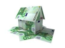 La casa puso de las notas para 100 euros Imágenes de archivo libres de regalías