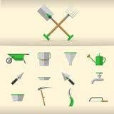Ejemplo de herramientas que cultivan un huerto Imagen de archivo libre de regalías