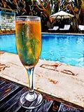 Ejemplo de la bebida del Poolside en Champagne Glass stock de ilustración