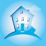 Ejemplo de la casa en fondo azul Puede ser utilizado como hogar del icono Fotografía de archivo