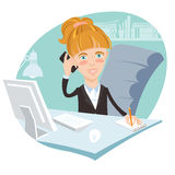 Ejemplo de la mujer de la oficina que se sienta en su escritorio de trabajo con el pH Fotos de archivo
