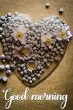 Ejemplo de la tarjeta de los brotes de flor de la buena mañana fotos de archivo libres de regalías