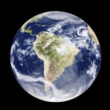 Ejemplo de la tierra 3D del globo del espacio día y noche aislado en fondo negro stock de ilustración