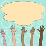 Ejemplo de las manos multirraciales de la diversidad que aumentan para arriba alcanzar para la nube grande mullida colorida Idea  ilustración del vector
