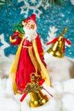 Ejemplo de Santa Claus en un trineo con el reno Imagen de archivo libre de regalías