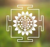 Ejemplo de Sri Yantra del vector con Lotus Flower en un fondo natural Foto de archivo libre de regalías