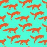 Ejemplo de zorros Jugar animales Naturaleza salvaje Modelo inconsútil Imagen de archivo libre de regalías
