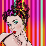Ejemplo del arte pop de la mujer con la mano Muchacha del arte pop Invitación del partido Tarjeta de felicitación del cumpleaños  Imagen de archivo libre de regalías