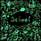 Ejemplo del garabato de los objetos de la escuela El neón verde resumió el ejemplo de los elementos del diseño, fondo negro Fotos de archivo libres de regalías