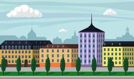 Ejemplo del paisaje de la ciudad de Europa del vintage Edificios de la ciudad a lo largo de la calle ancha con los árboles, los b libre illustration