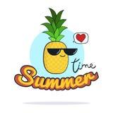 Ejemplo del tiempo de verano Personaje de dibujos animados lindo de la piña Fotografía de archivo