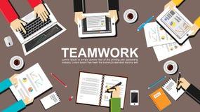 Ejemplo del trabajo en equipo Concepto del trabajo en equipo Conceptos planos del ejemplo del diseño para el trabajo en equipo, e Fotos de archivo