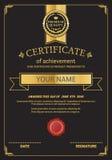 Ejemplo del vector de la plantilla del diploma del certificado del oro Imagenes de archivo