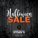 Ejemplo del vector de la venta de Halloween con la araña y elementos del día de fiesta en el fondo de madera de la textura Diseño Fotos de archivo libres de regalías