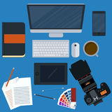 Ejemplo del vector de un diseñador del lugar de trabajo Stock de ilustración