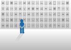 Ejemplo del vector en diseño plano con los iconos Persona desorientada abrumada por datos grandes y que busca ayuda y respuestas Fotos de archivo libres de regalías