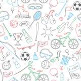 Ejemplo inconsútil con los iconos a mano simples en el tema de los deportes, el contorno coloreado en el fondo blanco Foto de archivo libre de regalías