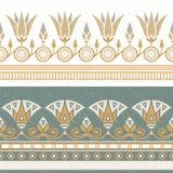 Ejemplo inconsútil del vector del ornamento nacional egipcio con una flor blanca stock de ilustración