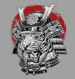 Ejemplo japonés altamente detallado dibujado mano del vector del samurai del tigre en la tierra gris ilustración del vector